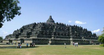 Borobudur is de grootste Boeddhistische tempel ter wereld Belindomag.nl