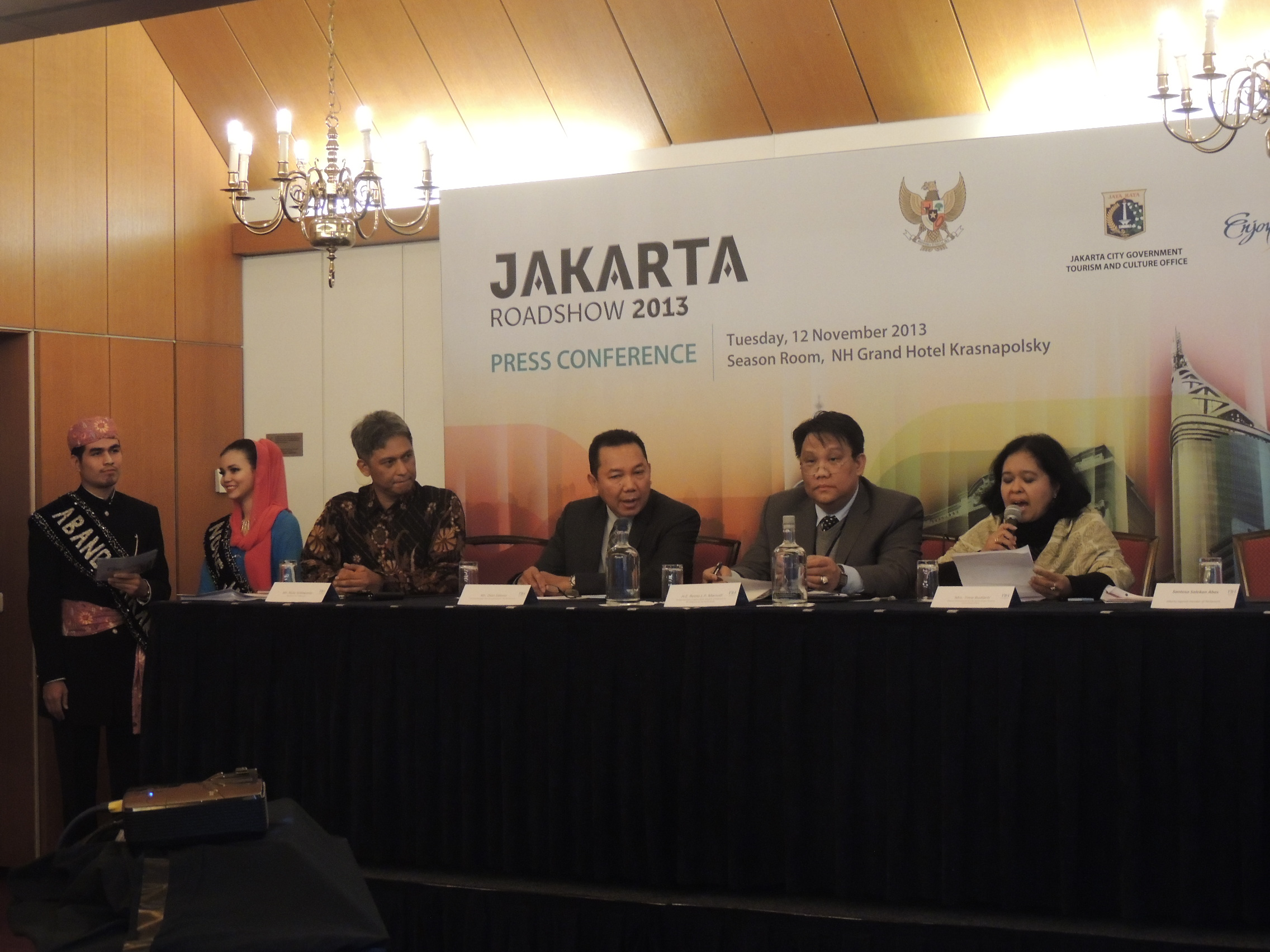 Delegatiesprekers tijdens de persconferentie