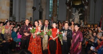 Batik Modeshow in Nederland