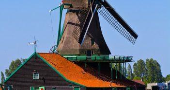 Nederland wil flink meer toeristen uit Indonesië aantrekken. Holland Alliance (NBTC Holland Marketing, Amsterdam Airport Schiphol, Amsterdam Marketing en KLM Royal Dutch Airlines) streeft naar een aantal van wel 142.000 Indonesische reizigers voor 2025.