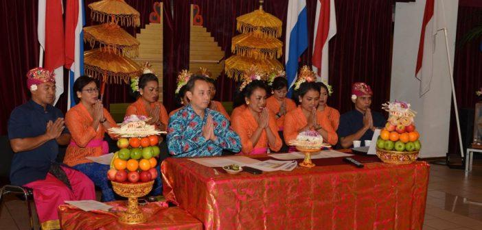 De Hindoe-Indonesische gemeenschap herdenkt Saraswati in Den Haag