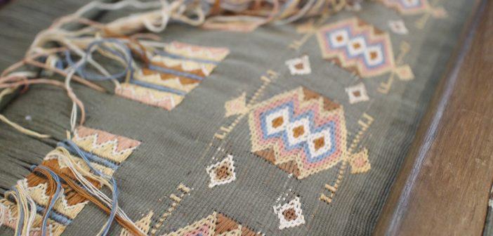 Betoverd door de charme van de Ikat, een traditionele Indonesische weeftechniek